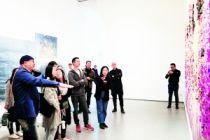 """鸿坤美术馆推出群展""""金色楼梯"""""""