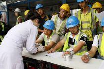 """工地上來了 """"白衣天使"""" 碧桂園推動全國2000多個施工標段開展免費體檢"""