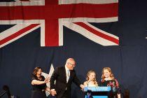 """莫里森""""逆袭""""连任澳总理"""