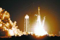 SpaceX猎鹰重型火箭胜利发射