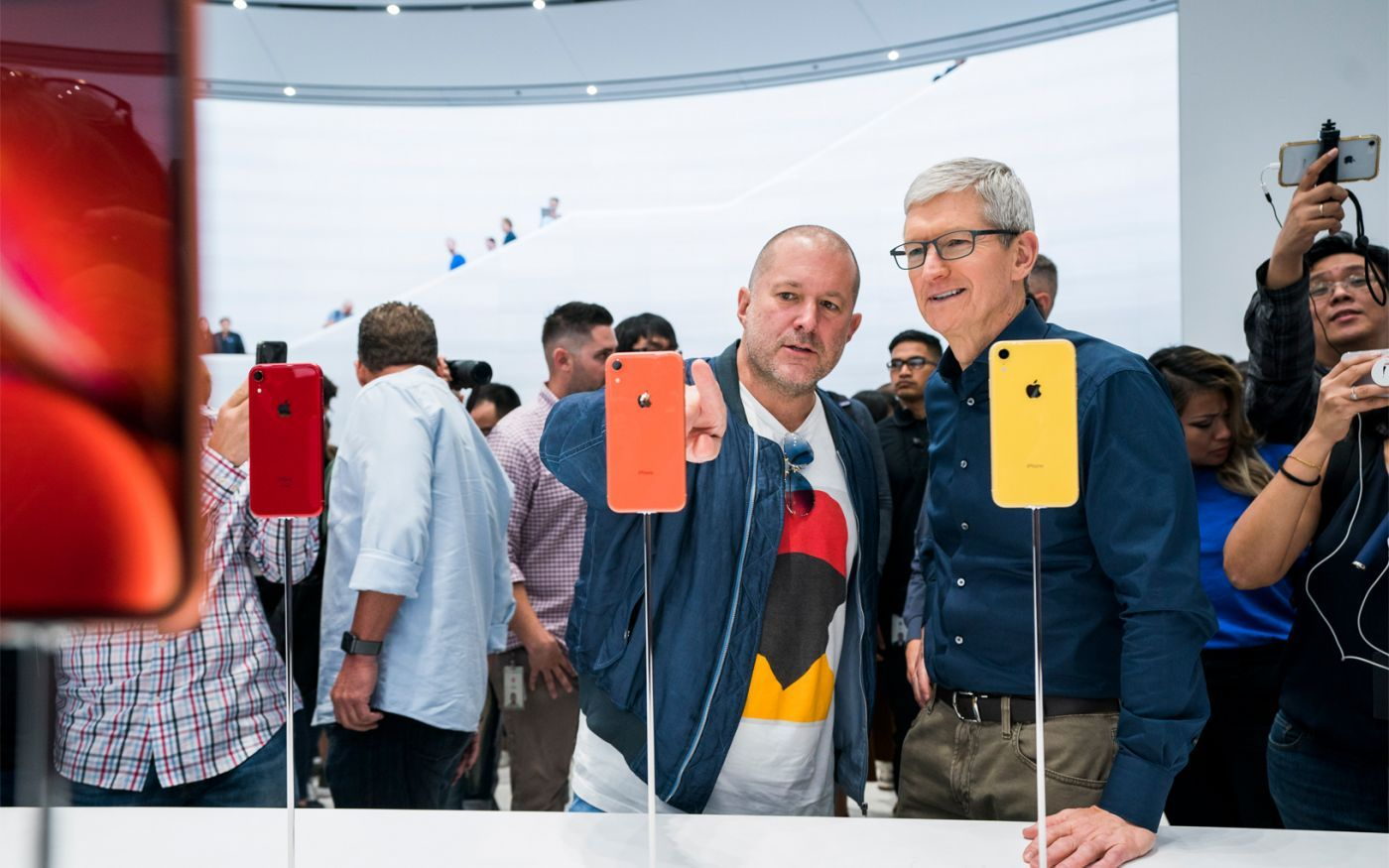 Apple-update-tim-cook-jonathan-ive-062619_big.jpg.large_2x