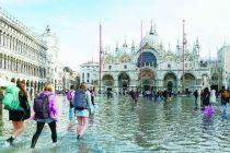 """威尼斯""""水""""逆"""