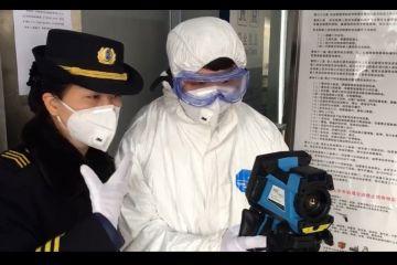 直击北京公共交通运行保障:公交消毒加密 地铁全路网推行体温测试系统
