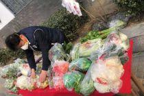 多图 北京餐饮企业自发保供:门店预定蔬菜、年夜饭送上门