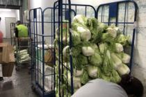 北京超市发低于采购价出售大白菜 十种菜品实施控价(附视频)