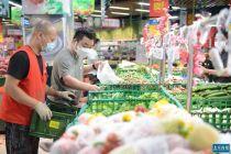 """力保居民""""菜篮子"""" 大兴大型商超市场按平时进货量1.5-2倍备货"""