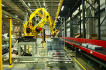 京东物流上线智能投线机器人 效率较传统作业可提升6倍