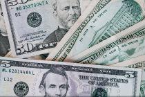 美国财政赤字再爆表